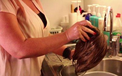 Hoe u uw synthetisch haarwerk kunt wassen